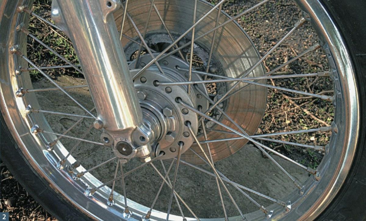 Motorfietswiel restaurereren deel 1